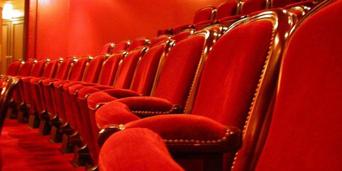 yeovil theatre octagon swandown lodge holiday hoseasons